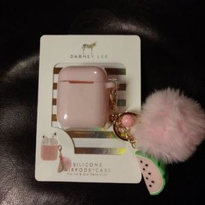 NWT  Silicon Airpods Case with charms